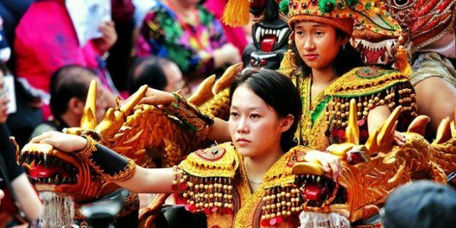 Perayaan Cap Go Meh Tahun baru Imlek 2566 di Kota Singkawang
