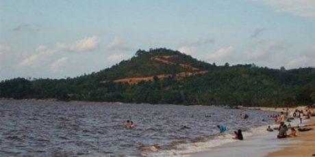 Pantai Pasir Panjang Indah Singkawang